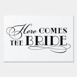 Aquí viene la muestra de la ceremonia de boda de l cartel