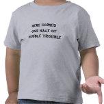 Aquí viene una mitad de la camiseta doble del prob
