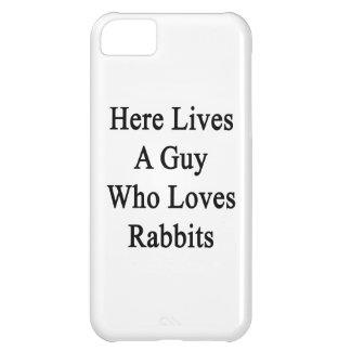 Aquí vive un individuo que ama conejos