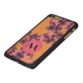 Arabesque del fractal con el monograma rosado en funda de arce carved® para iPhone 6 plus slim