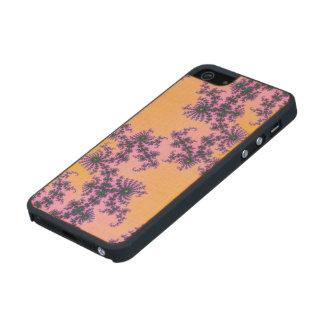 Arabesque del fractal - verde y púrpura en funda de arce carved® para iPhone 5 slim