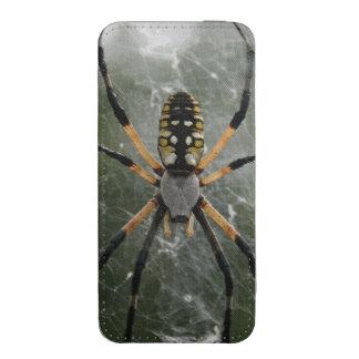 Araña/Argiope enormes del amarillo y del negro Funda Acolchada Para iPhone