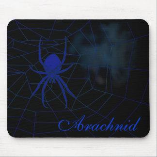Araña azul en tela, arácnido alfombrilla de raton