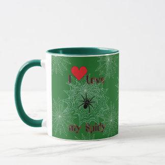 Araña de cruz en la red taza