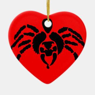 Araña en rojo adorno de cerámica en forma de corazón