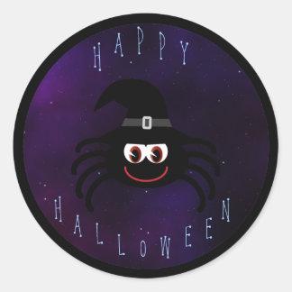 Araña linda del feliz Halloween con el gorra de Pegatina Redonda