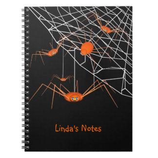 Arañas anaranjadas divertidas de Halloween Libretas Espirales