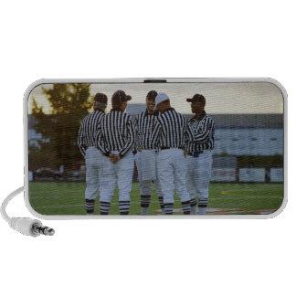 Árbitros del fútbol americano que hablan en campo iPod altavoces