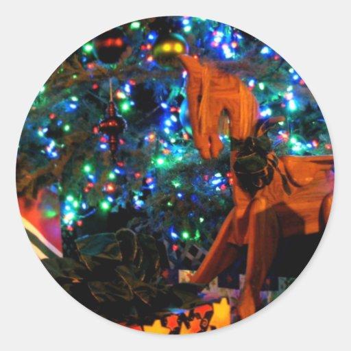 Árbol 4 del regalo etiqueta redonda
