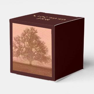 Árbol abstracto en campo cajas para detalles de boda
