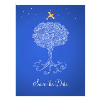 Árbol adornado de la reserva del azul de la vida postal