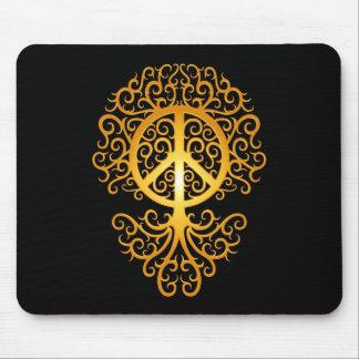 Árbol, amarillo y negro de la paz mouse pad