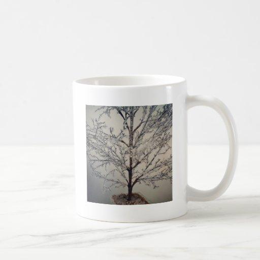 Árbol caprichoso del hielo taza clásica