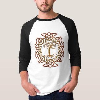 Árbol céltico del círculo de la camisa de la vida