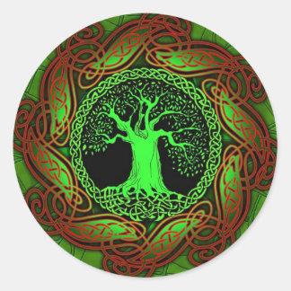 Árbol céltico (versión iluminada) pegatina redonda