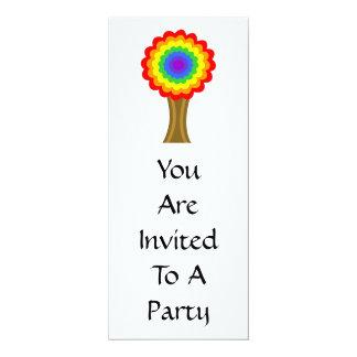 """Árbol colorido brillante en colores del arco iris invitación 4"""" x 9.25"""""""