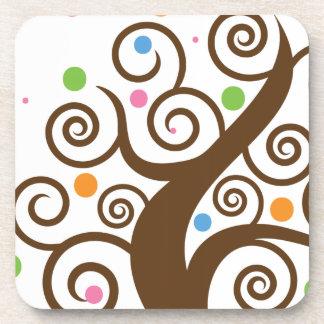 Árbol colorido lindo del remolino