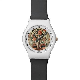 Árbol con las flores y los cuernos de la abundanci relojes de mano