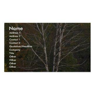 Árbol de abedul blanco abstracto al borde de un ha tarjetas de visita