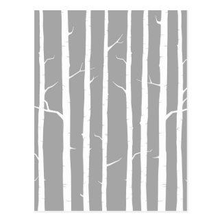 Árbol de abedul gris y blanco postal