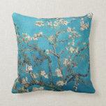 Árbol de almendra floreciente de Van Gogh Cojin