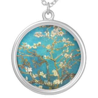 Árbol de almendra floreciente de Van Gogh Colgante Redondo
