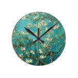 Árbol de almendra floreciente de Van Gogh Reloj Redondo Mediano