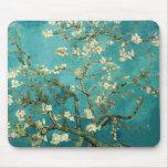 Árbol de almendra floreciente de Van Gogh Tapete De Raton