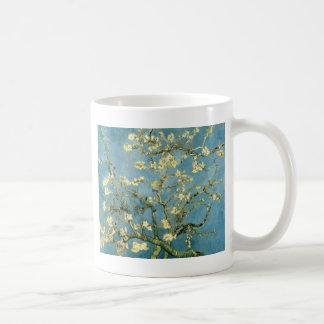 Árbol de almendra floreciente de Van Gogh Taza
