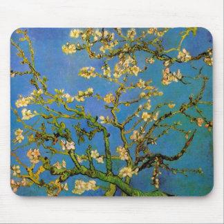 Árbol de almendra floreciente de Vincent van Gogh Tapetes De Raton