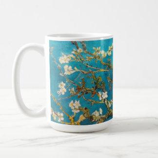 Árbol de almendra floreciente Vincent van Gogh Taza Básica Blanca