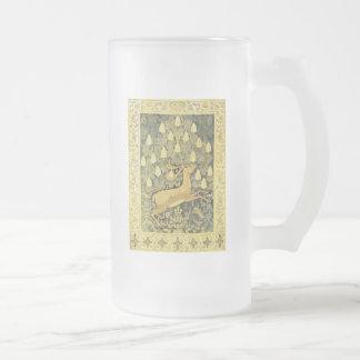 Árbol de castaña del conejo de los ciervos del taza de cristal