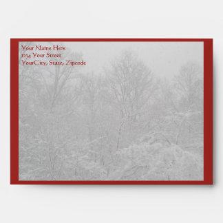 Árbol de Dogwood del navidad en sobre de la nieve