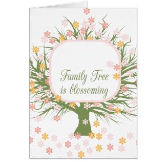 Árbol de familia floreciente tarjeta de felicitación