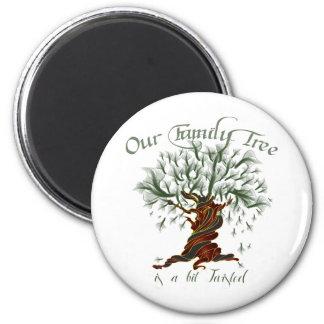 Árbol de familia un pedazo torcido imán redondo 5 cm
