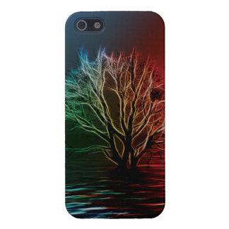 Árbol de Fractalius en el río iPhone 5 Fundas