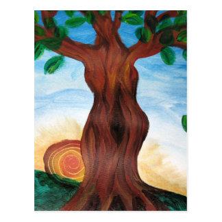 Árbol de la mujer postal
