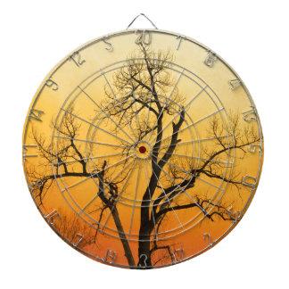 Árbol de la puesta del sol de la estación del tablero de dardos
