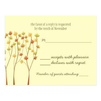 Árbol de la ramita de la caída - tarjeta de la postal