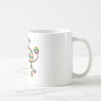 Árbol de la vida desconcertado taza básica blanca