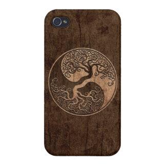 Árbol de la vida Yin Yang con el efecto de madera  iPhone 4 Cárcasa