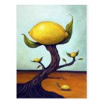 Árbol de limón surrealista postales
