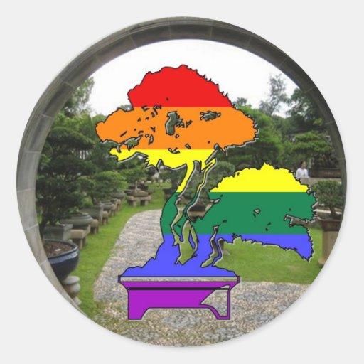 Árbol de los bonsais del orgullo del arco iris etiqueta redonda