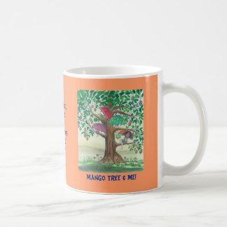 ¡Árbol de mango y yo! Taza con el barco azul
