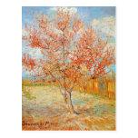 Árbol de melocotón rosado de Van Gogh en postal de