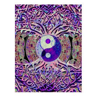 Árbol de mirada impresionante de Yin Yang Postales