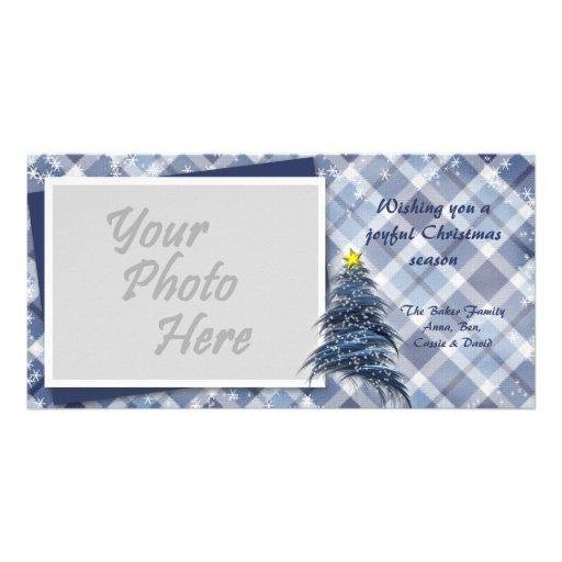 Árbol de navidad azul en la tela escocesa tarjeta con foto personalizada