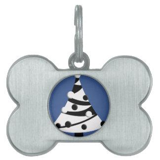 Árbol de navidad blanco y negro retro placas de nombre de mascota