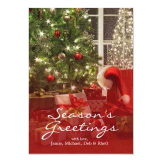 """Árbol de navidad brillantemente encendido con las invitación 5"""" x 7"""""""