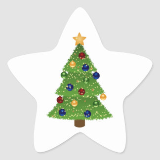 Árbol de navidad colorido con los ornamentos y la pegatina en forma de estrella